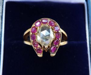Stunning 18ct rose gold ruby and 1ct diamond solitaire horse show 18k vintage antique ring